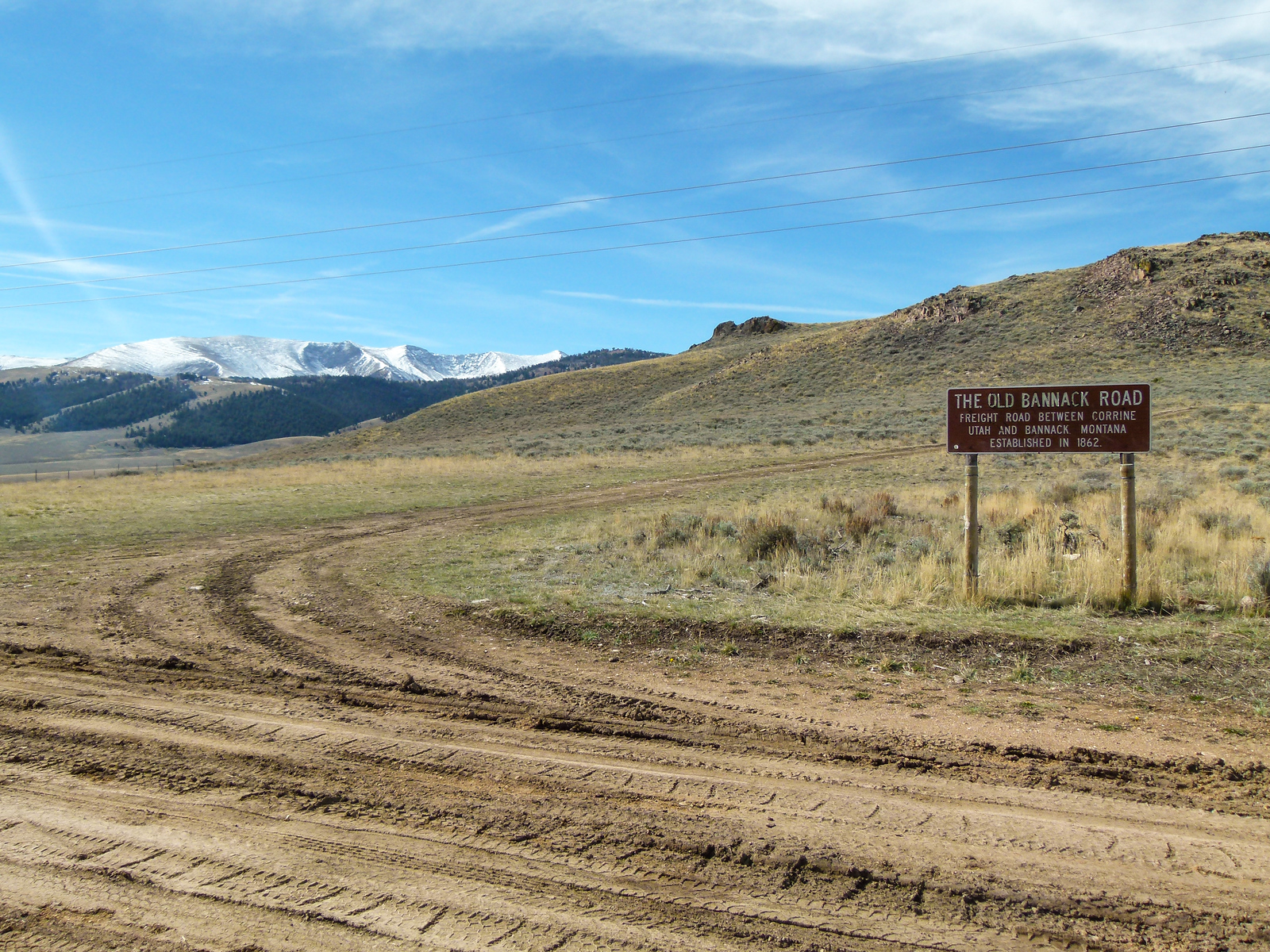 A sign points to Old Bannack Road on the Big Sheep Back Country Byway in #Montana. #roadtrip #boomertravel