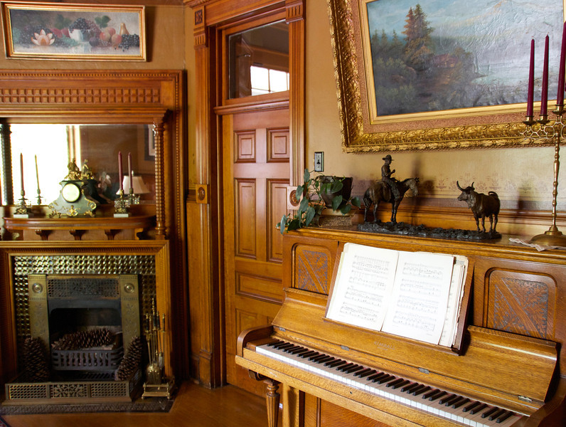 The Sanders sitting room