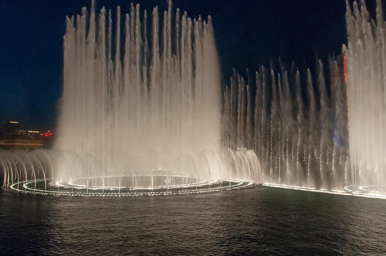 Dancing fountain in front of Bellagio Resort & Casino in Las Vegas
