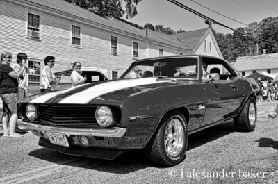 '67 Camaro 327, my brother had one.