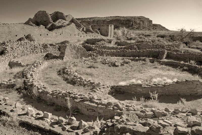 Kiva and multi-storied roomblocks, Pueblo Bonito in Chaco Culture National Historic Park, New Mexico