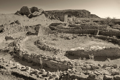 Kiva and multi-storied roomblocks, Pueblo Bonito in Chaco Culture National Historic Park, New Mexico