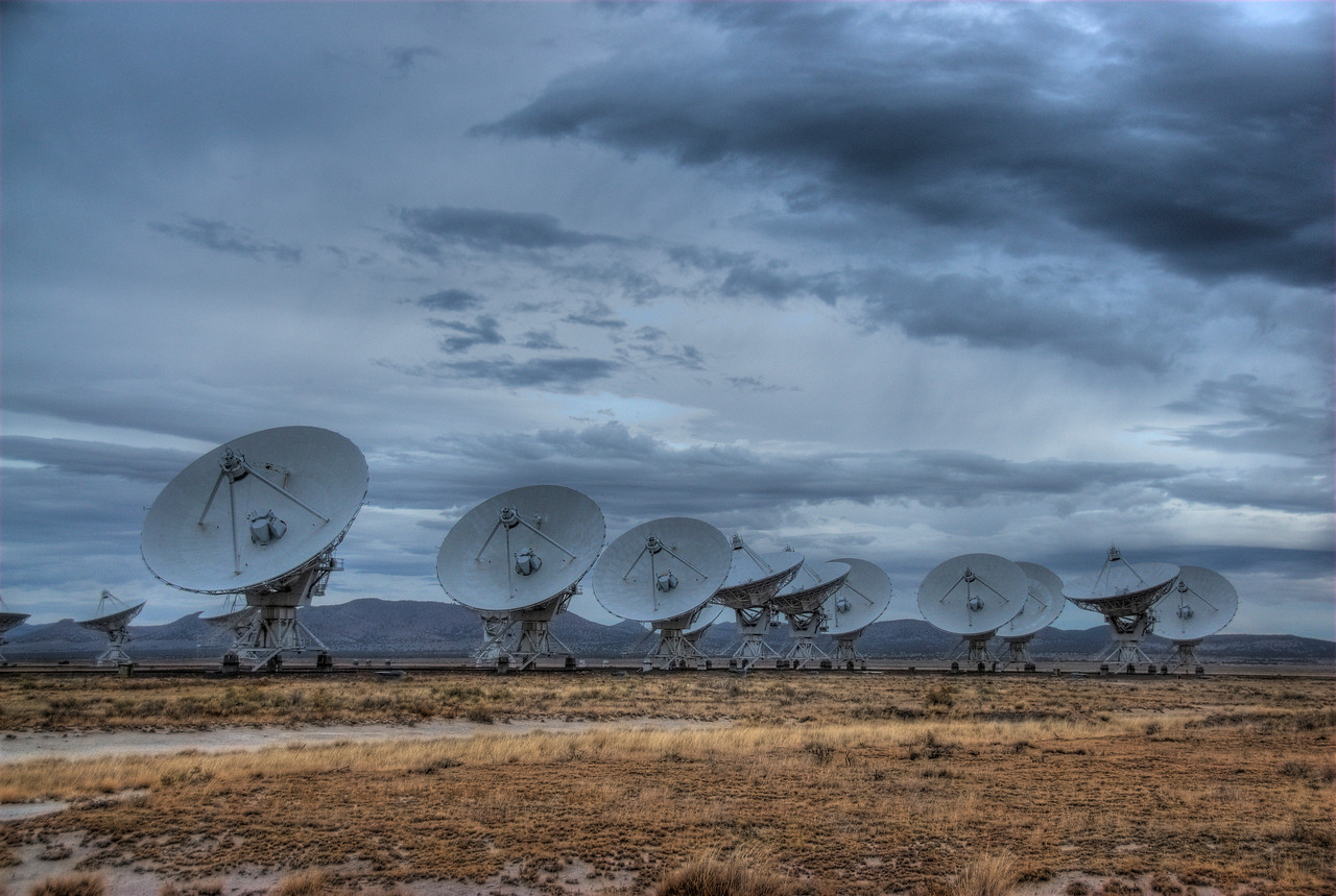 Row of antennas in Very Large Array, Socorro, New Mexico