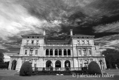 The Breakers in Black and White - without perspective lens correction