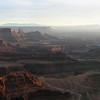 Штат Юта, США.<br /> Вечерние проводы солнца с «марсианской» обзорной площадки над каньонами. Вечерняя обзорная панорама реально марсианская. Мне в Центре управления полетами заказали такую – для отчета в случае провала марсианской космической миссии.