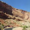 Парк Национальный памятник (Colorado National Monument), США<br /> Въезд в скальное царство парка Colorado National Monument. По нему змеится образцовая дорога, и большинство посетителей ограничиваются полуторачасовым проездом по ней, с серией остановок на обзорных площадках.