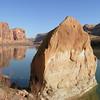 Парк Canyonlands, США<br /> Сафари среди каньонов по колдобистой грунтовой дороге по-над рекой Колорадо. Радостные, незабываемые впечатления – вокруг дичайший скальный мир во всем богатстве и Божьей выдумке.