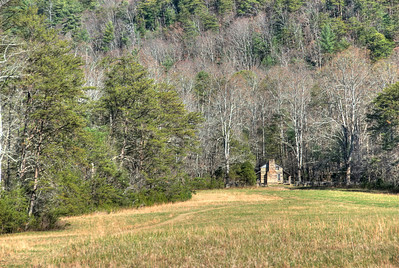 Scenic landscape and cabin house in Great Smoky Mountains National Park, Tenneessee
