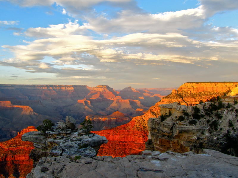 Sunset at Mather Point at the Grand Canyon