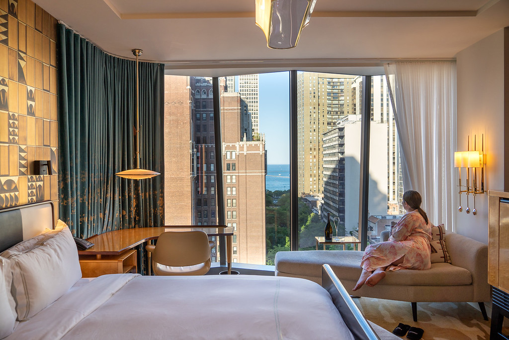 Viceroy Chicago room and view
