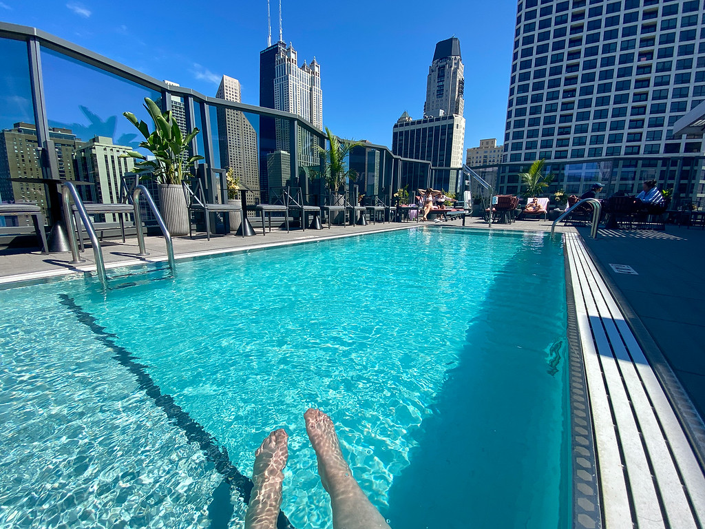 Viceroy Chicago pool