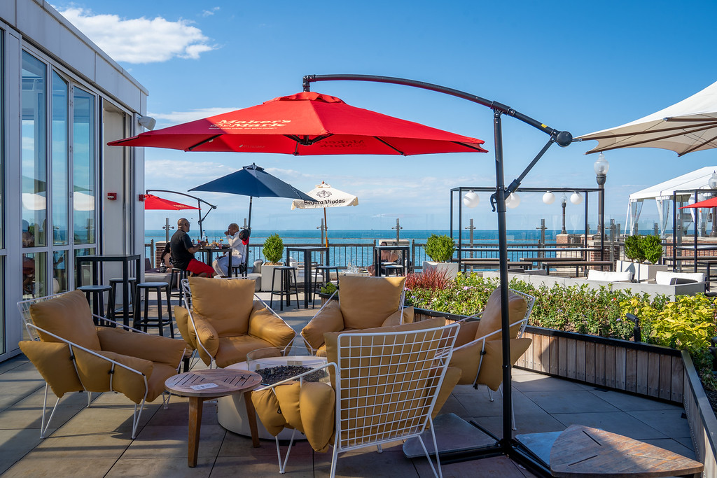 Offshore rooftop bar at Navy Pier