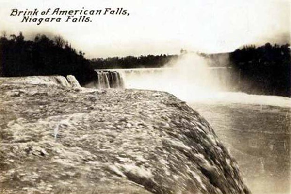 Brink of the American Falls
