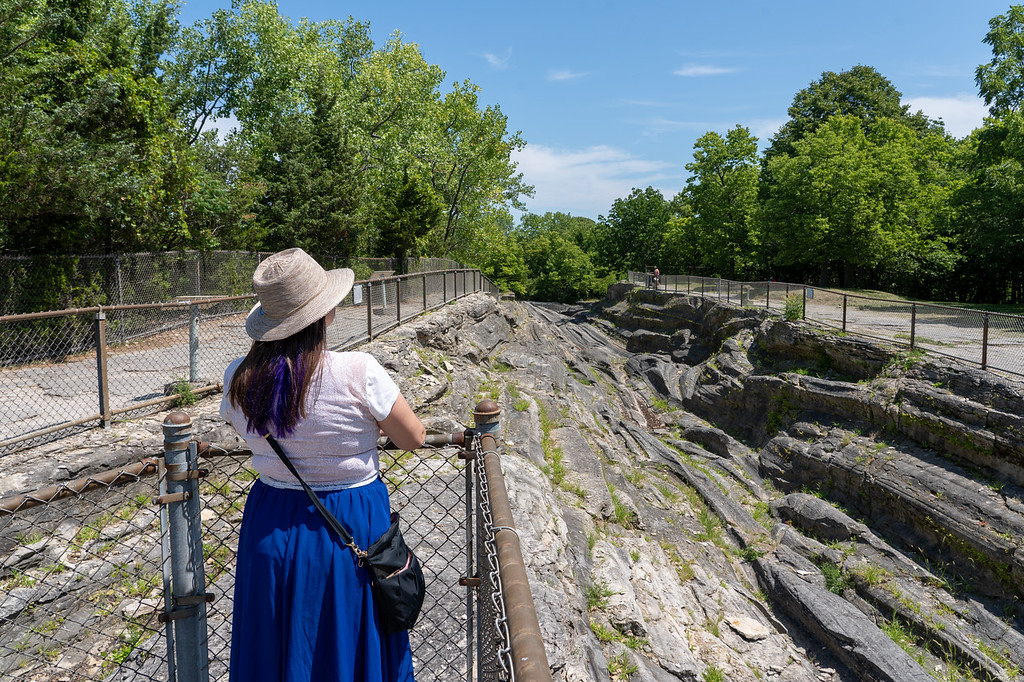 Looking at the Glacial Grooves on Kelleys Island