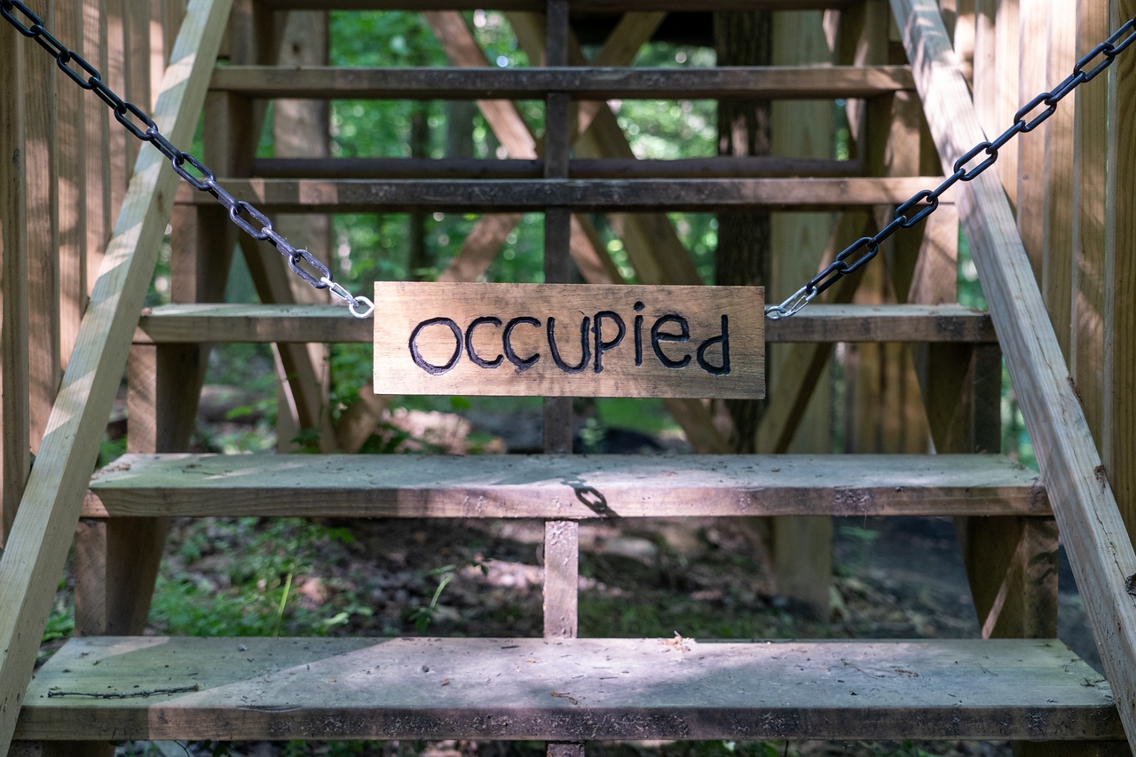 "Mohicans treehouses ""occupied"" sign"