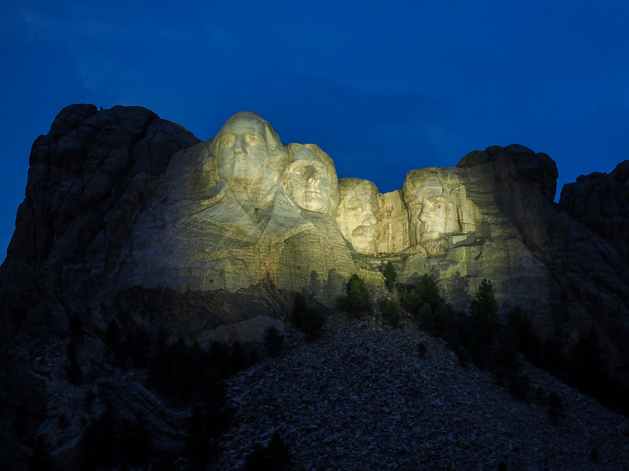 Mount Rushmore after dark