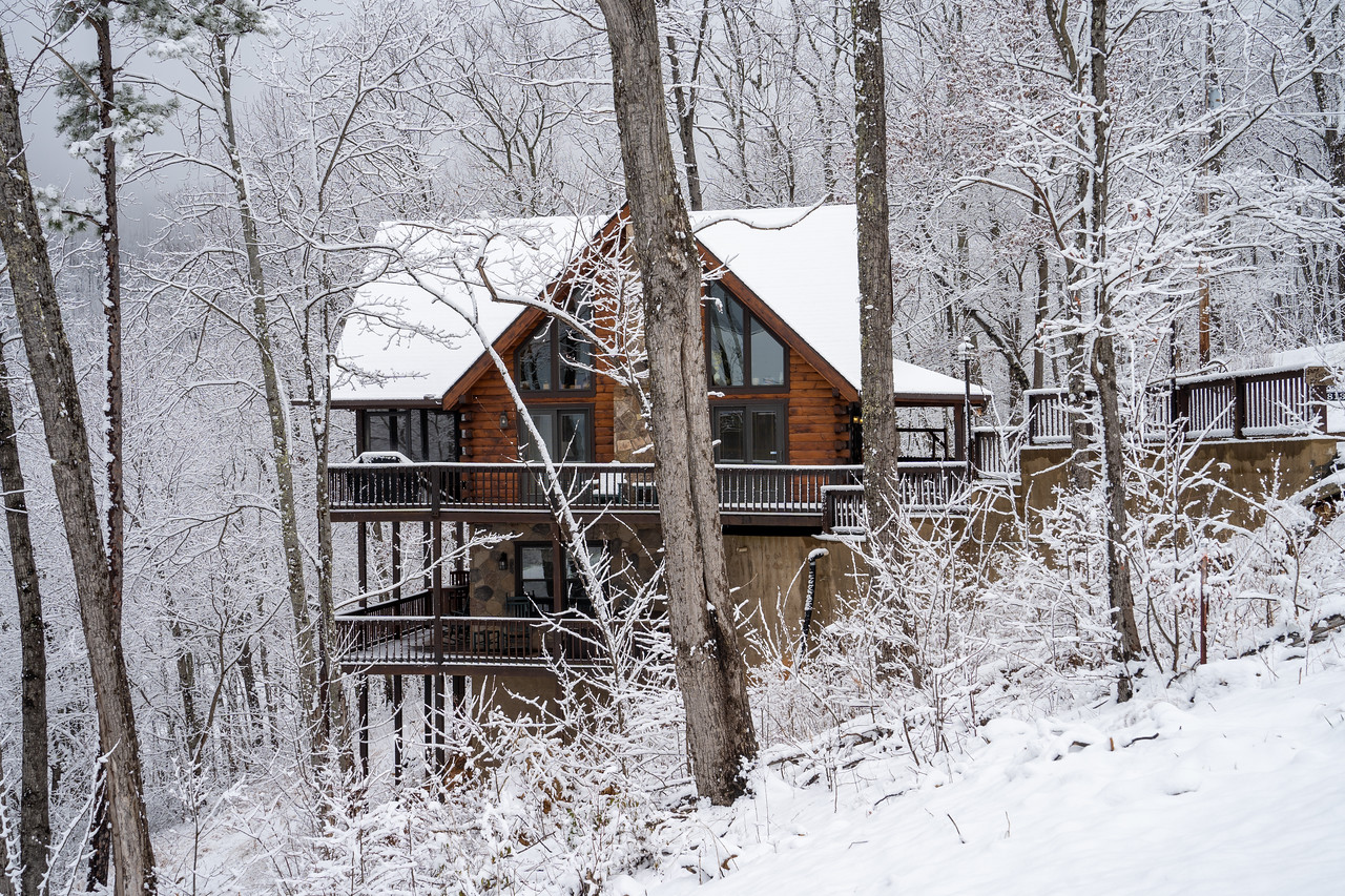 Snowy cabin in the Smoky Mountains