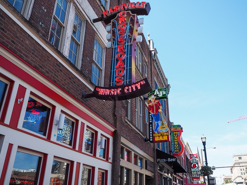 Honky Tonks in Nashville
