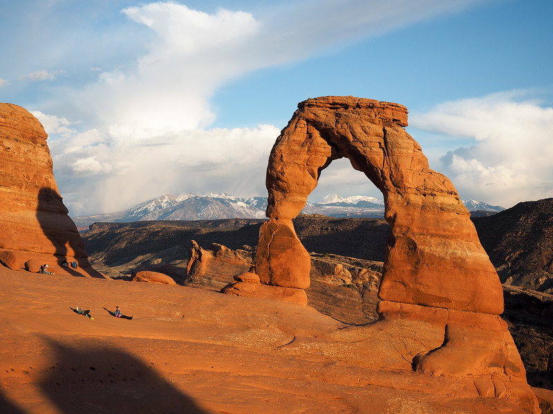 Delicate Arch in Arches National Park at sunset