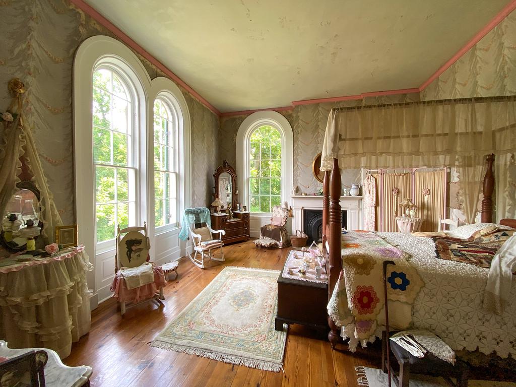 Room inside Henderson Hall