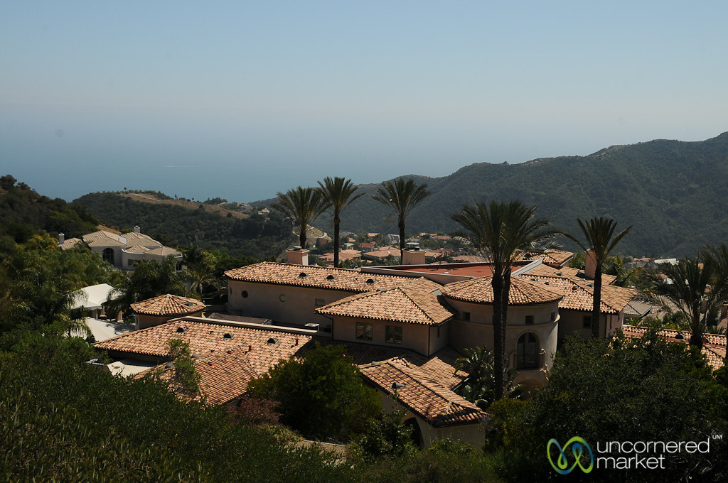 Fancy Homes Near Temescal Canyon - Los Angeles, California