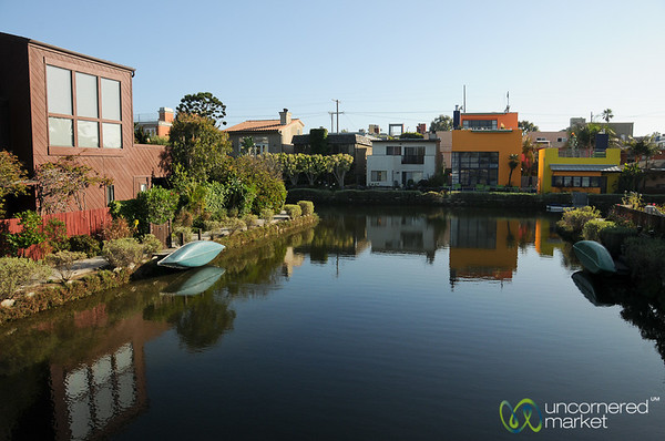 Walking Through the Venice Canals - Los Angeles, California