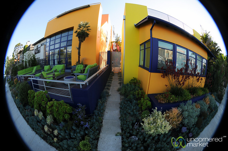 Cute Little Houses - Venice Canals in Los Angeles