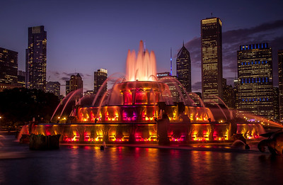 Chicago's Buckingham Fountain in Grant Park at Sunset