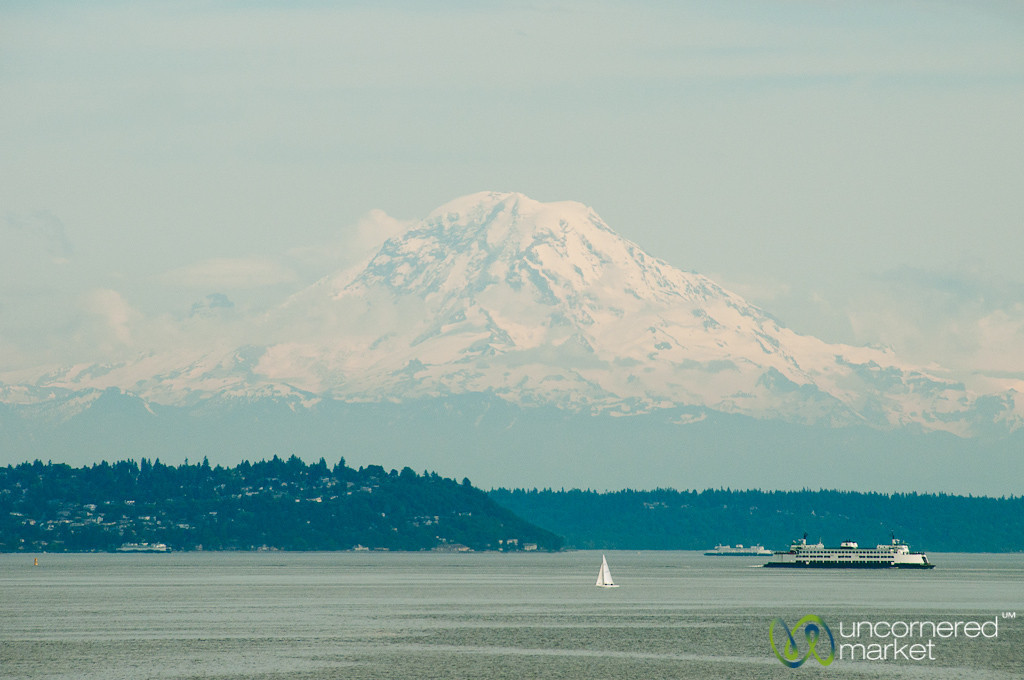 Mt. Rainier on a Clear Day - Seattle