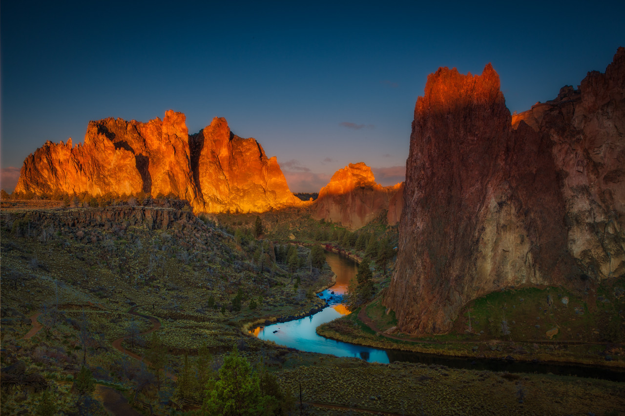 Sunrise at Smith Rock in Oregon