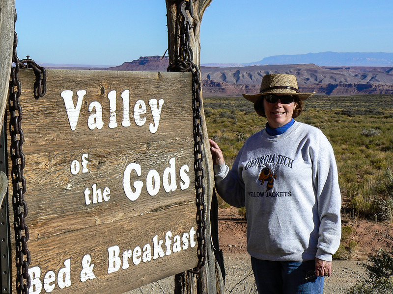 Wooden sign leading to Valley of the Gods Bed & Breakfast