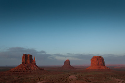 Monument Valley at dusk - Utah