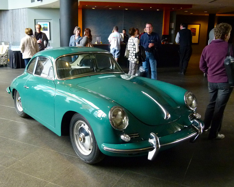 Antique Porsche 356 at Black Rock 2013
