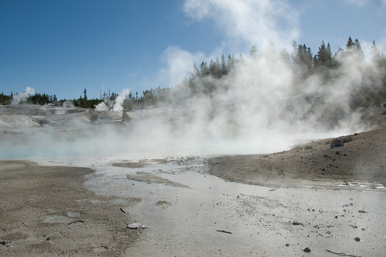 Mammoth Hot Spring in Yellowstone National Park