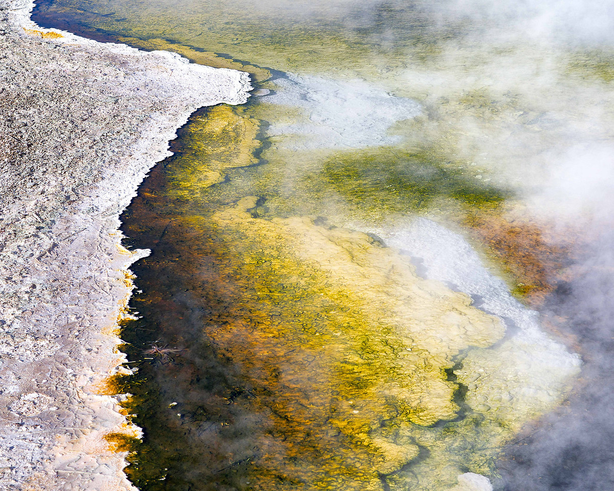 The varying hues of grand prismatic