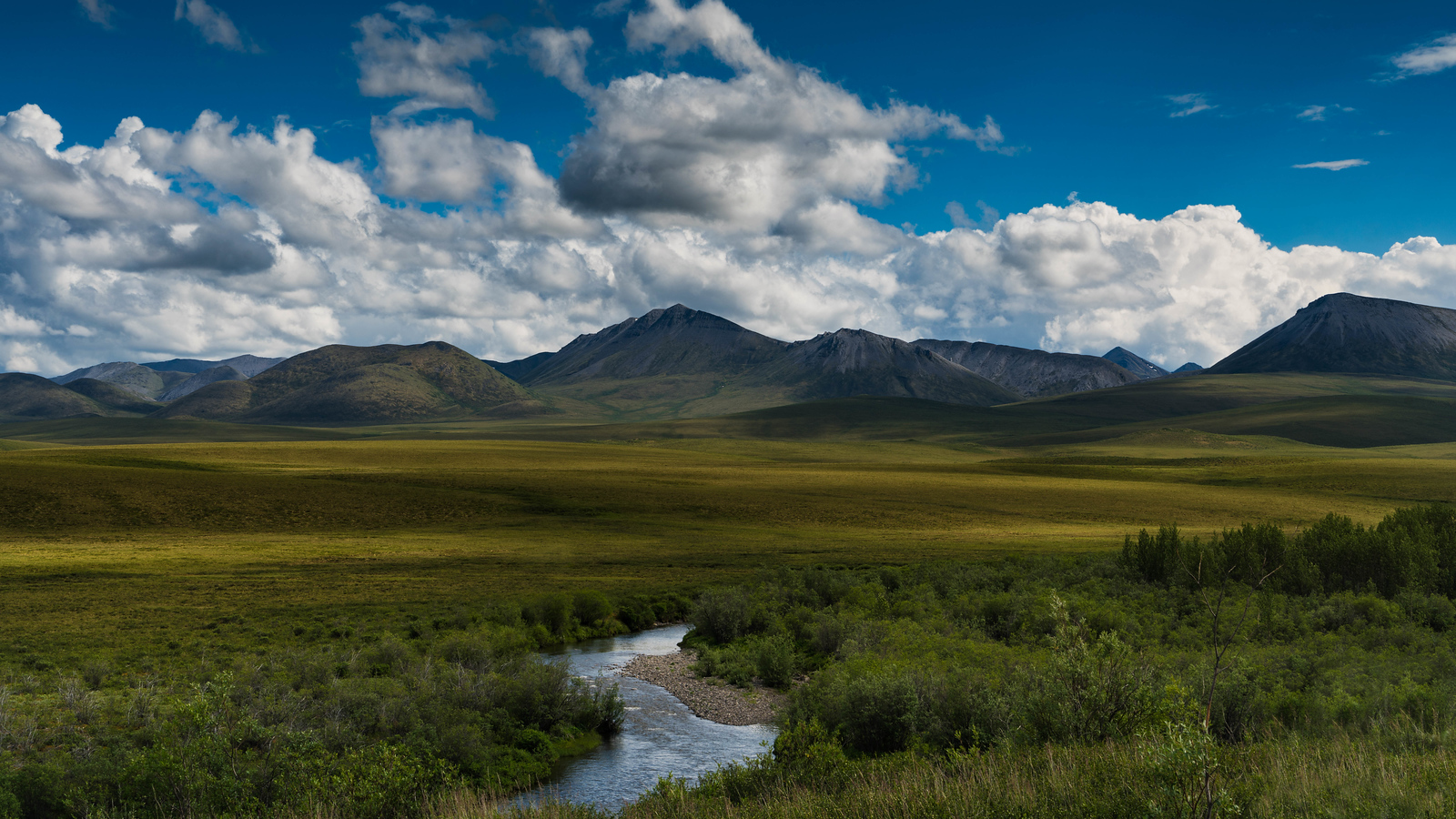 The views just keep getting better on the Dempster Highway