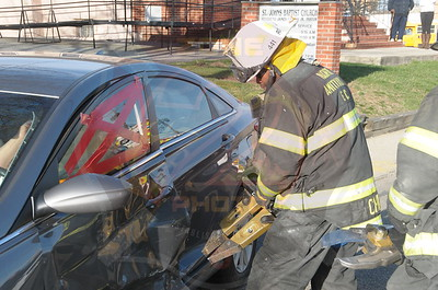 North Amityville Fire Co. MVA w/ Entrapment  Howard Ave. and Bethpage Rd. 4/16/15
