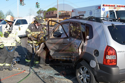 North Amityville Fire Co. MVA w/ Entrapment  Sunrise Hwy. and New Hwy. 5/16/16