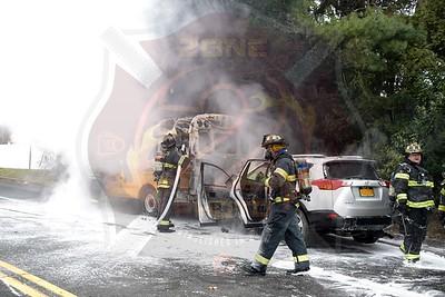 North Babylon Fire Co.  MVA w/ Signal 14   Sylvan Rd.  12/14/18