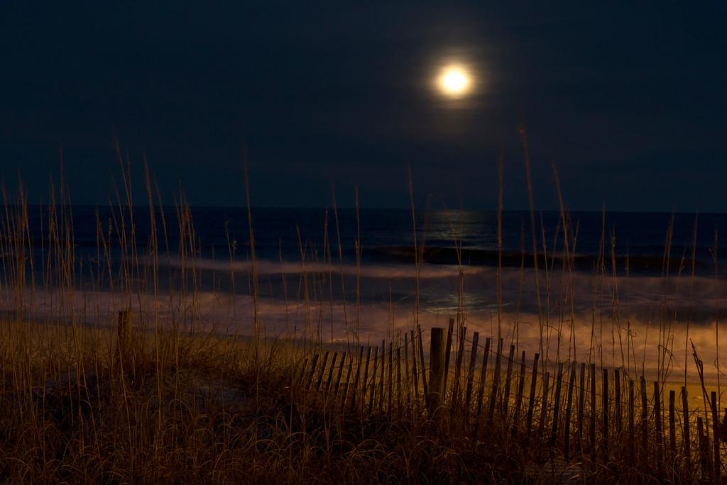 Full Moon Kurri Beach
