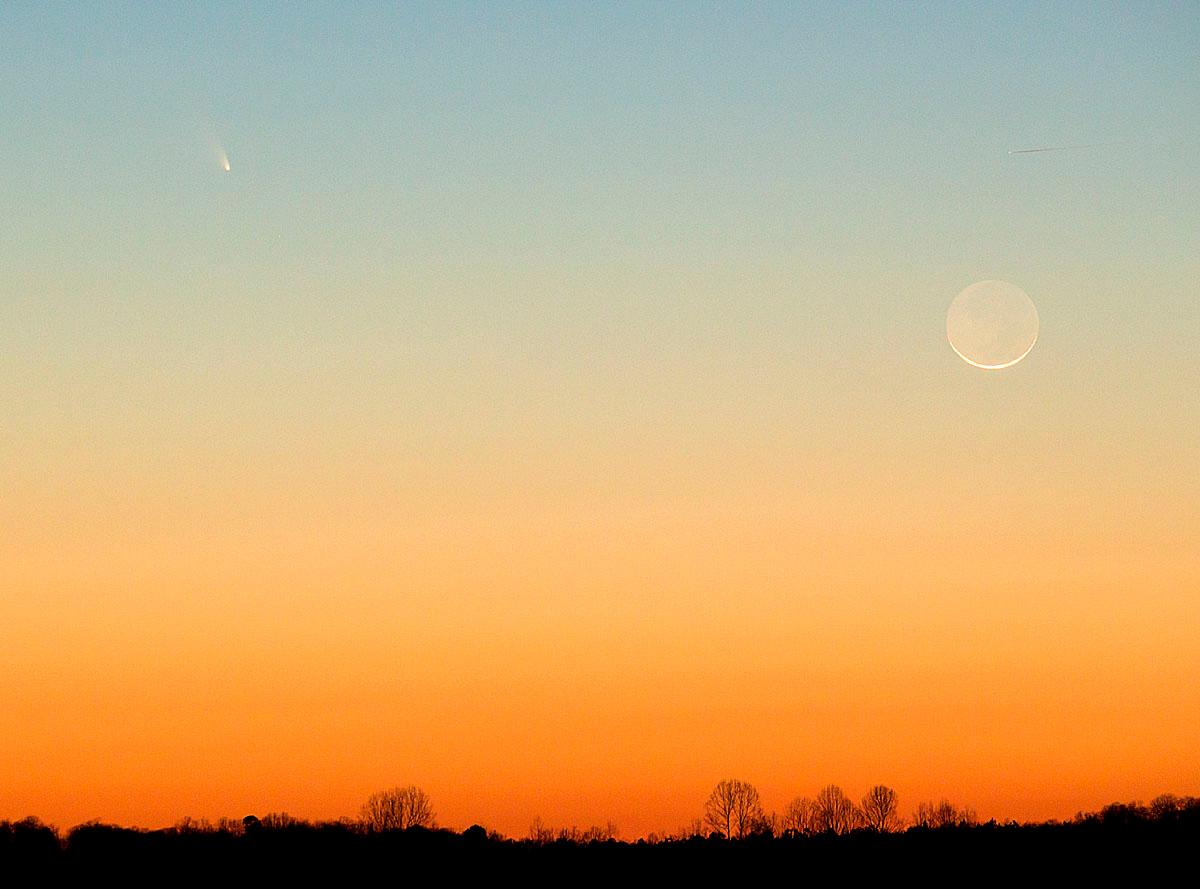 Comet PANSTARRS at sundown near Reeds,NC.