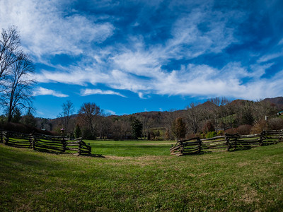 Bryson City, Deep Creek, The Biltmore, Road to Nowhere, Cades Cove - 2017 Thanksgiving in the Mountains (Joe Forzano / Deep Creek Films & Photography)