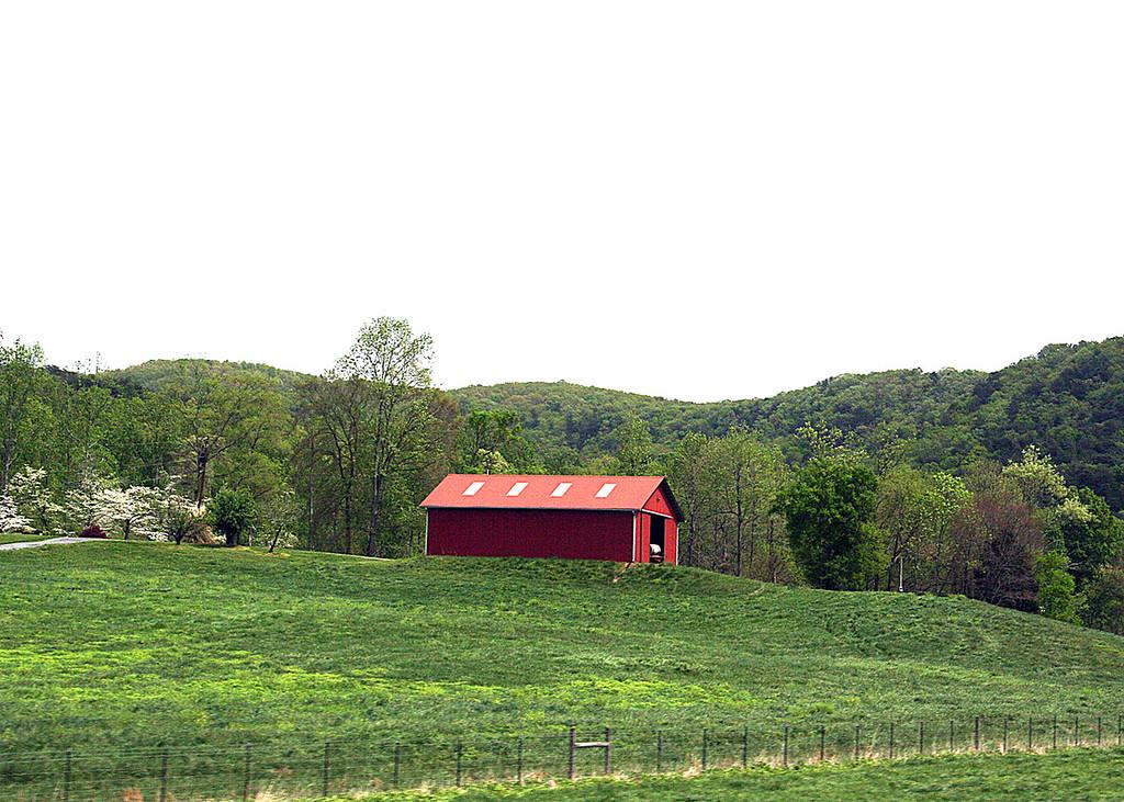 Barn along the way from Benton, TN to Murphy, NC - 4/5/07