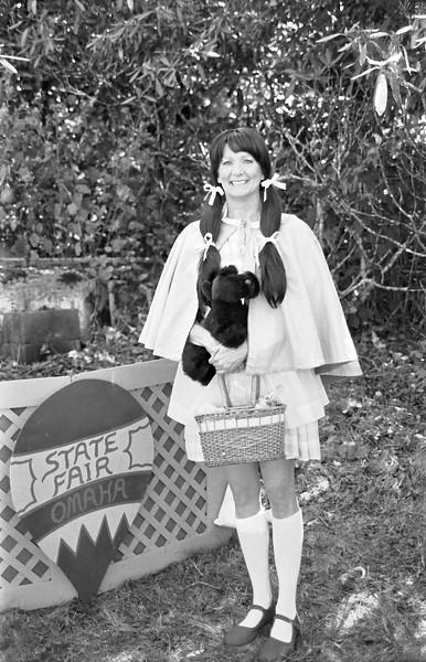 21 Dorothy Gale near the Ballooon