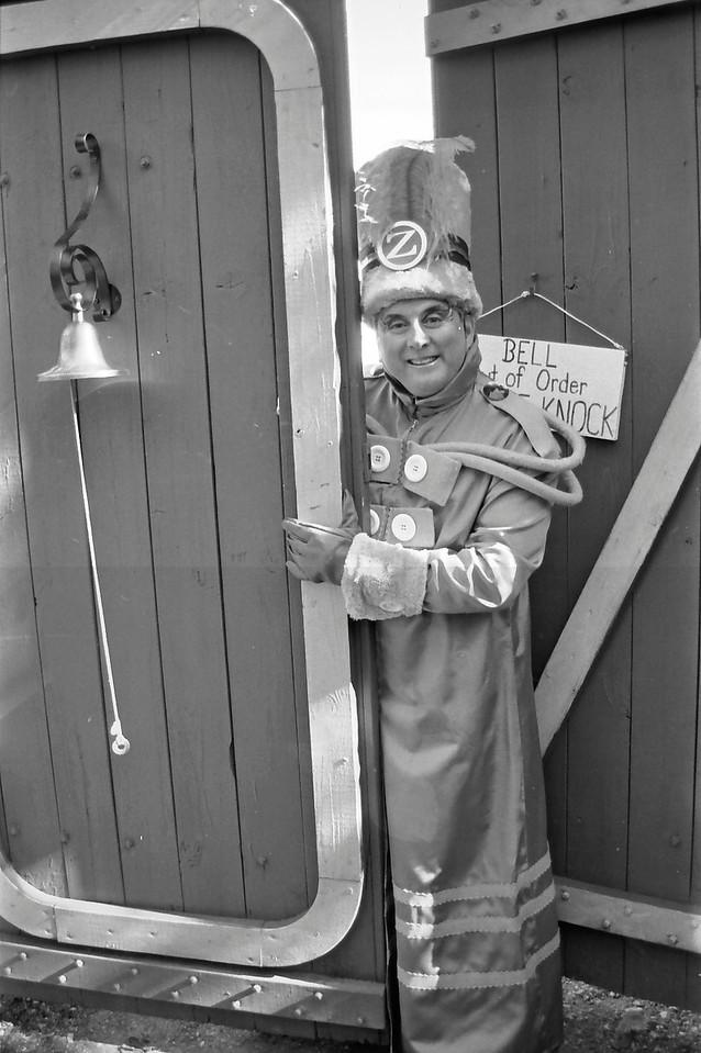 4 Doorman of Oz