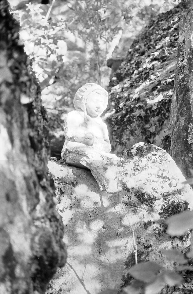 30 Munchkin Statue