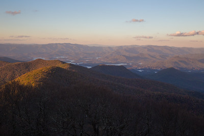 Chatuge Lake, the Nantahala Mountains, and Clingman's Dome, from the summit of Brasstown Bald.