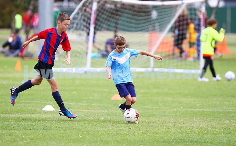 12-4-15. Soccer. North Caulfield Junior Football Club. U 11 Eagles v Port Melbourne Sharks. Caulfield park.  Photo: Peter Haskin