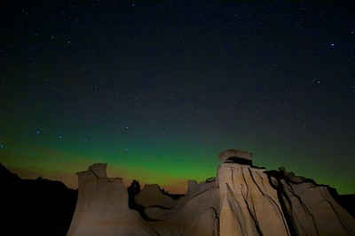 Northern Lights Aurora borealis hoodoos Teddy Roosevelt National Park ND IMG_0070230 CR2