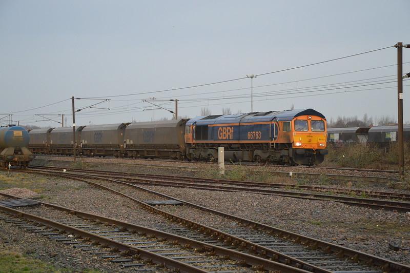 66763 6H12 Tyne CT - Drax passes York Yard on the 28th